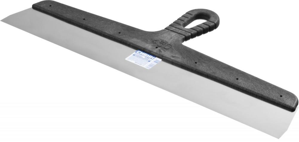 Шпатель нержавеющий СИБИН ФАСАДНЫЙ (450 мм)Шпатели, кельмы, гладилки<br>Широкое лезвие, которым отличается шпатель нержавеющий СИБИН ФАСАДНЫЙ (450 мм), является несомненным преимуществом инструмента. Такое полотно позволяет в минимальные сроки обрабатывать большие площади, что особенно удобно, учитывая размеры наружных стен и цокольной части зданий. Также инструмент используется внутри помещений для выравнивания вертикальных, горизонтальных поверхностей, в том числе при устройстве стяжек, наливных полов. Несмотря на увеличенные размеры, лезвие не прогибается в процессе работы,<br>