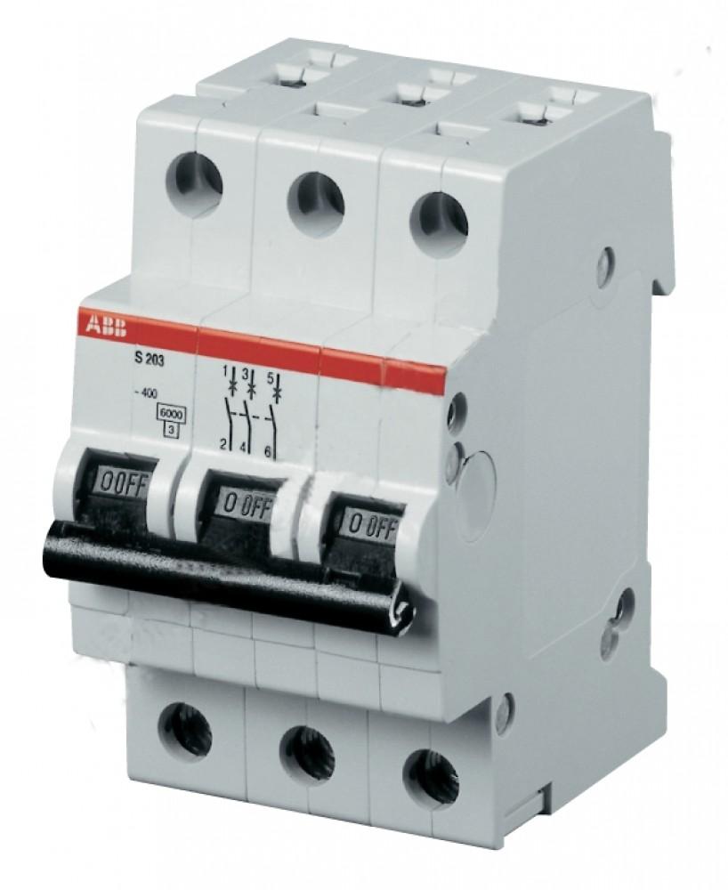 Автоматический выключатель ABB (3p / C25А / 4.5кА / SH203L)Автоматика<br>Электрооборудование шведско-швейцарской компании ABB давно завоевало на рынке положительную репутацию и по праву занимает лидирующие позиции. Высокое качество и надежность, безопасность при эксплуатации – все это получают потребители. 3-х полюсный автоматический выключатель этого бренда предназначен для коммутации трехфазных сетей и обеспечивает их безопасную эксплуатацию.Основная функция, возложенная на 3-х полюсной автоматический выключатель, сводится к автоматическому отключению от напряжения сети при со<br>