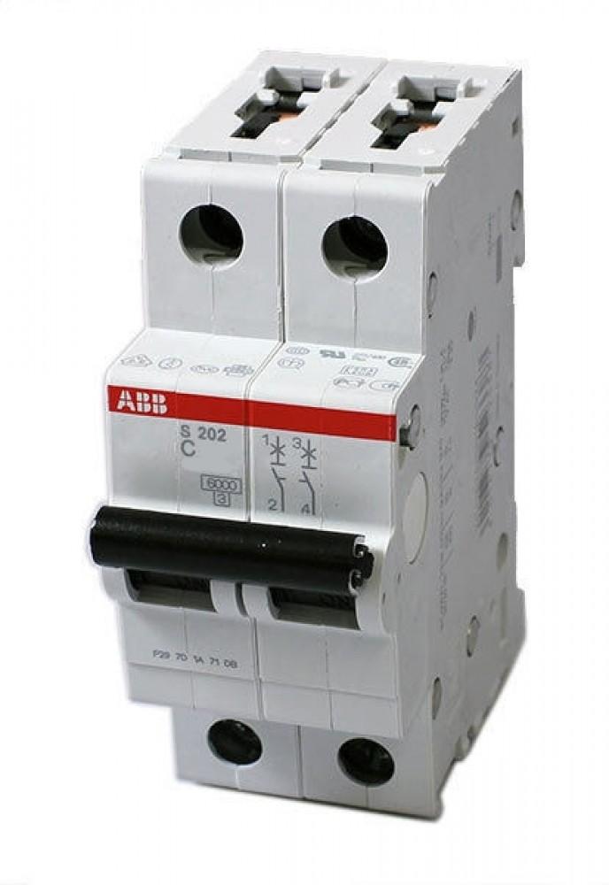 Автоматический выключатель ABB (2p / C20А / 4.5кА / SH202L)Автоматика<br>Автоматический выключатель – это коммутационное устройство, предназначение которого заключается в обеспечении защиты электросети дома, квартиры или любого другого объекта от скачков напряжения и высоких токов, возникающих при коротком замыкании. Принципиально устройство работает следующим образом: при появлении признаков нарушения и отклонений показателей нормальной работы сети автоматический выключатель разрывает цепь, обесточивая оба полюса.2-х полюсной выключатель позволяет обеспечивать контроль работы о<br>